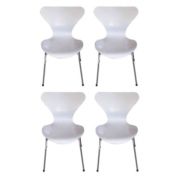 Vintage White Arne Jacobsen for Fritz Hansen Stackable Chairs